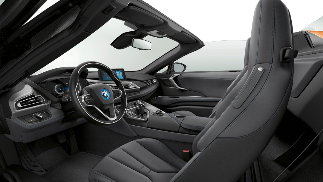 BMW I8-Roadster Public 2020 Interior 006