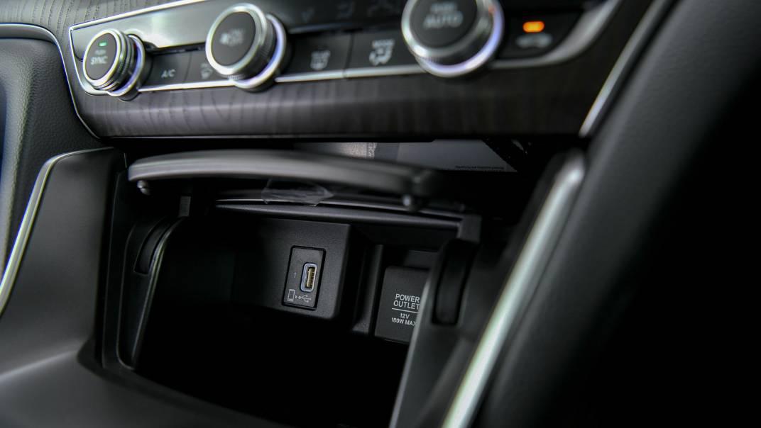 2021 Honda Accord 2.0L e:HEV EL+ Interior 037