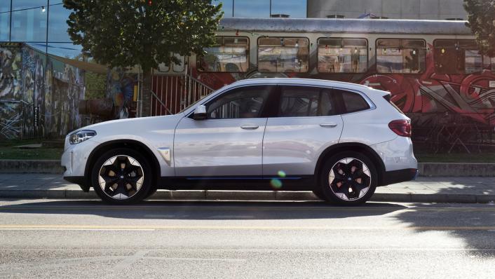 2021 BMW iX3 M Sport Exterior 005