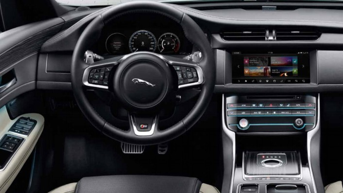 Jaguar XF 2020 Interior 001