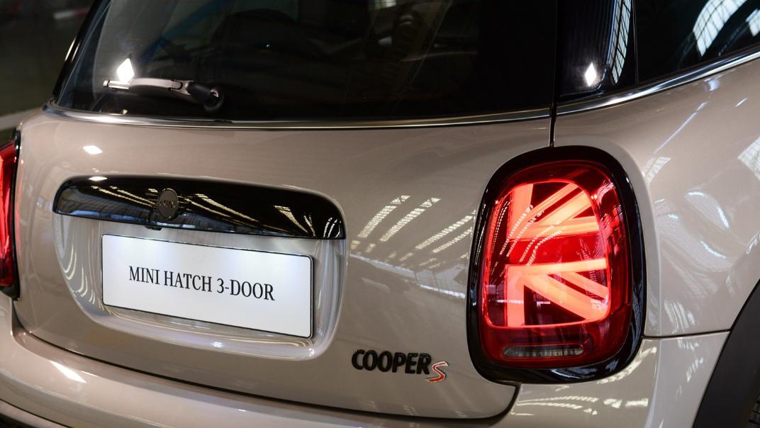 2021 MNI 3-Door Hatch Cooper S Exterior 056