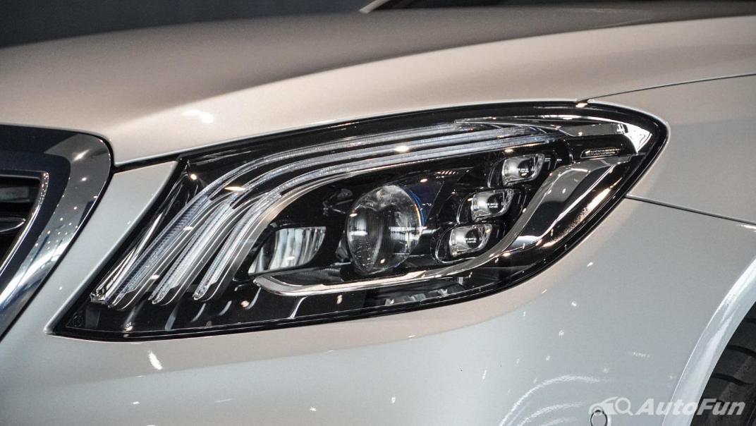 Mercedes-Benz S-Class S 560 e AMG Premium Exterior 014
