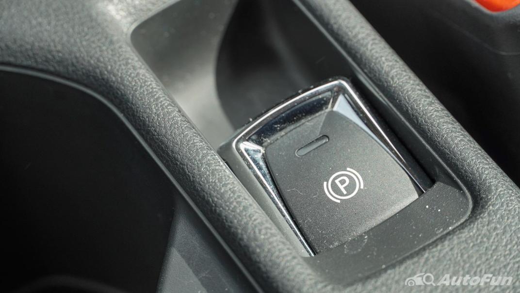 2020 Nissan Leaf Electric Interior 030