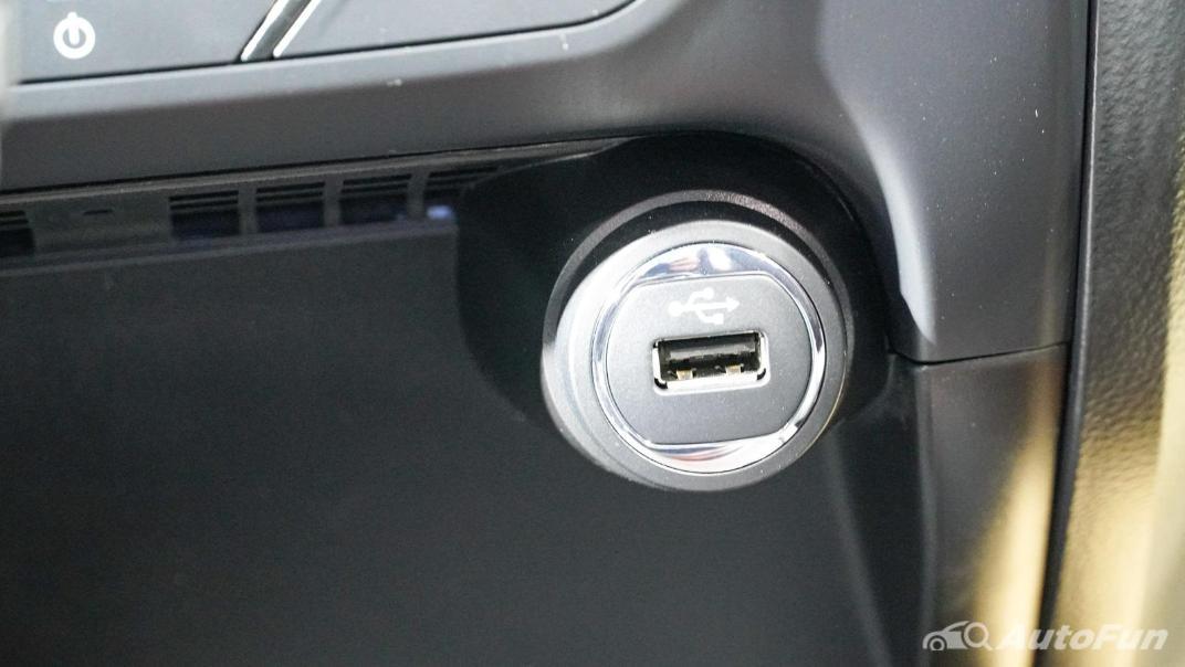 2021 Ford Everest Titanium+ Interior 015