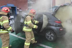 เผยสาเหตุรถยนต์ไฟฟ้าอาจยังไฟลุกพรึบได้แม้ผ่านอุบัติเหตุมาแล้วหลายวัน