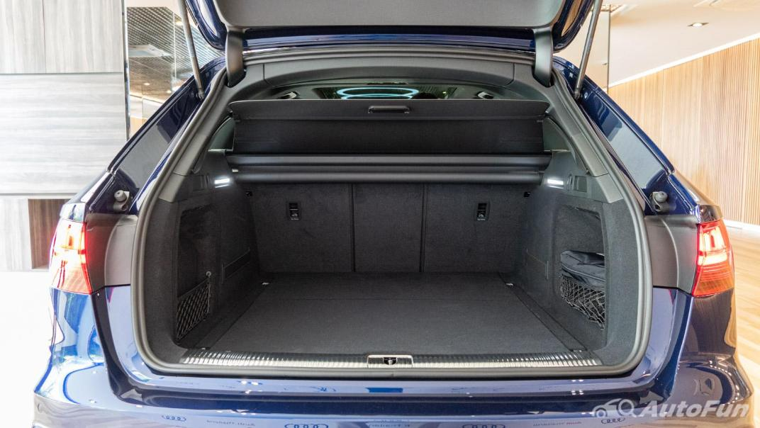 2020 Audi A4 Avant 2.0 45 TFSI Quattro S Line Black Edition Interior 107
