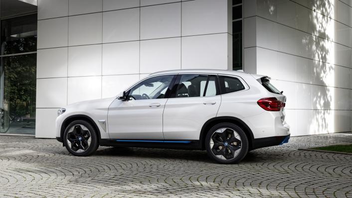 2021 BMW iX3 M Sport Exterior 002