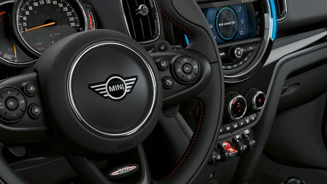 Mini Countryman 2020 Interior 002