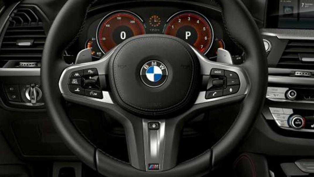 BMW X4-M Public 2020 Interior 005