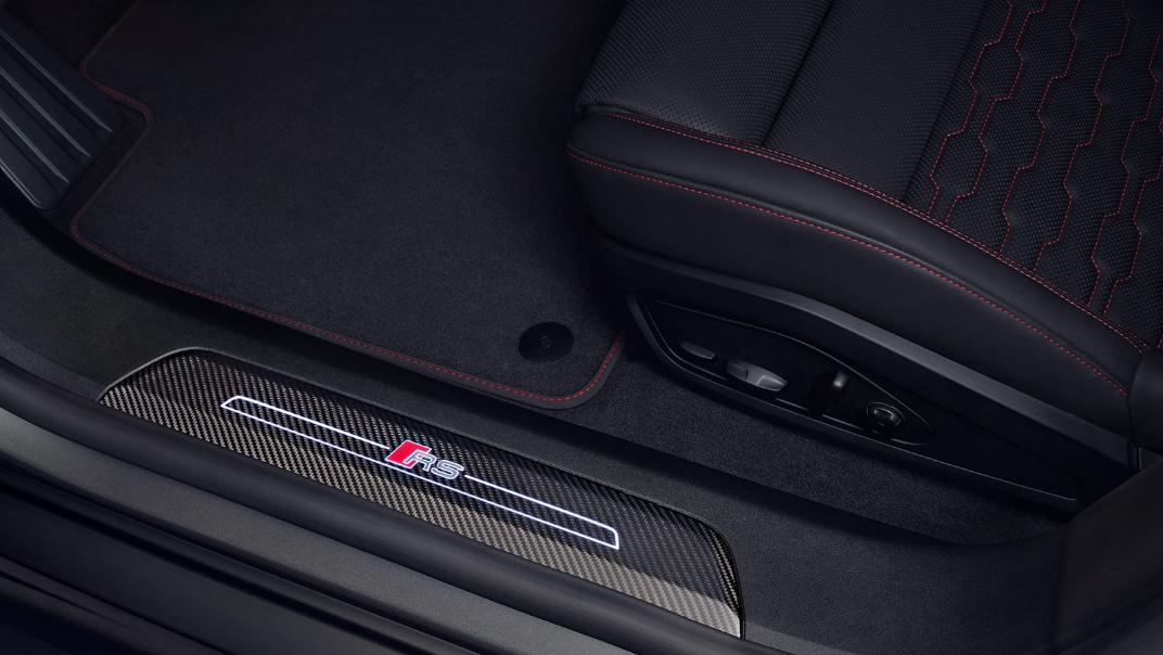 2021 Audi RS e-tron GT quattro Interior 006