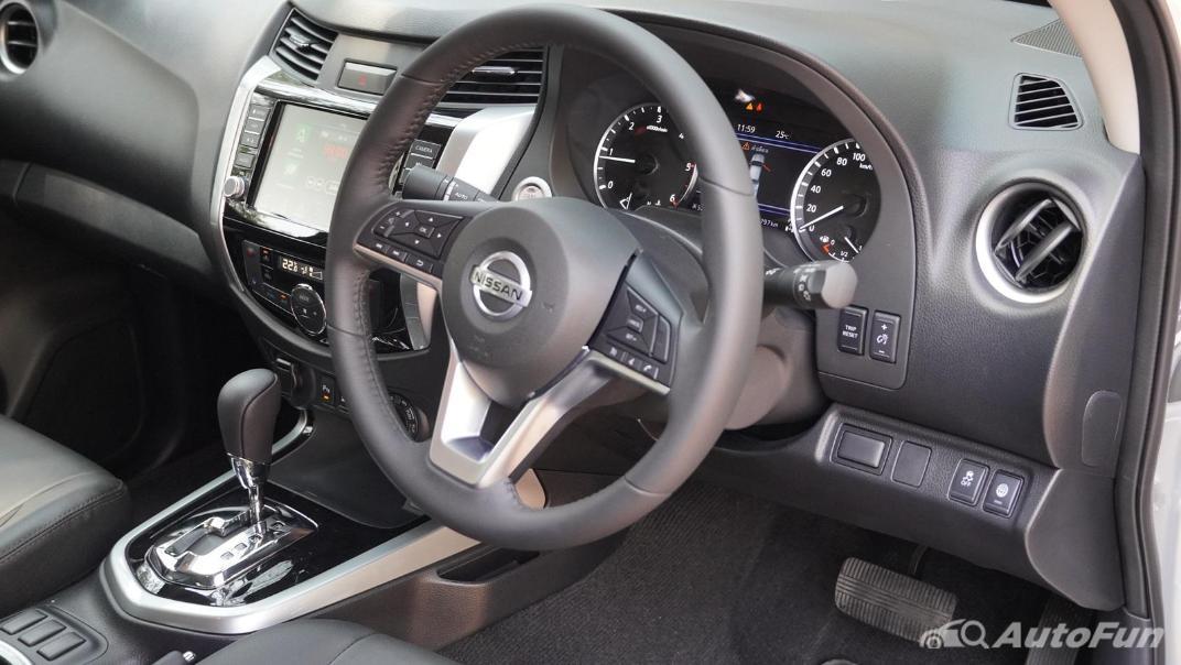 2021 Nissan Navara Double Cab 2.3 4WD VL 7AT Interior 002