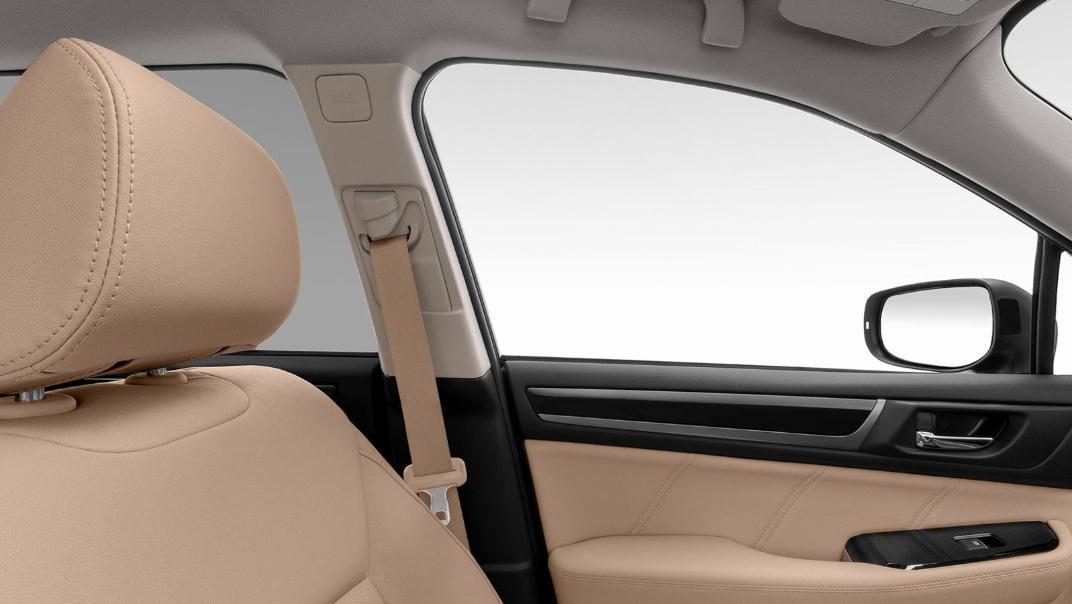 Subaru Outback 2.5i-S Interior 002