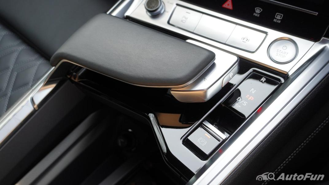 2020 Audi E Tron Sportback 55 quattro S line Interior 033