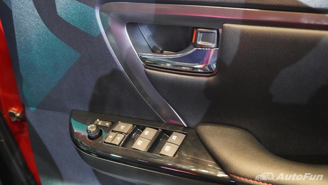 2021 Toyota Fortuner 2.8 GR Sport 4WD Interior 037