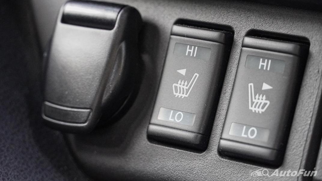 2020 Nissan Leaf Electric Interior 023