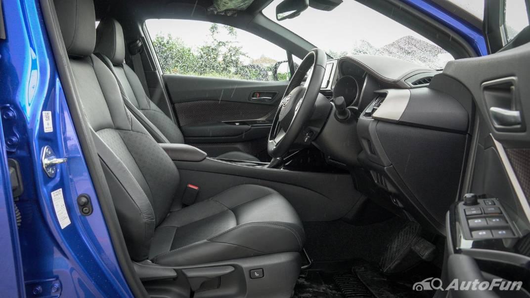 2021 Toyota C-HR Hybrid Premium Safety Interior 048