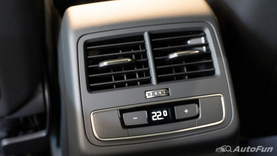 2020 Audi A4 Avant 2.0 45 TFSI Quattro S Line Black Edition Interior 098