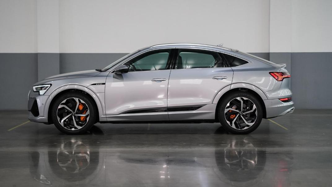 2020 Audi E Tron Sportback 55 quattro S line Exterior 003