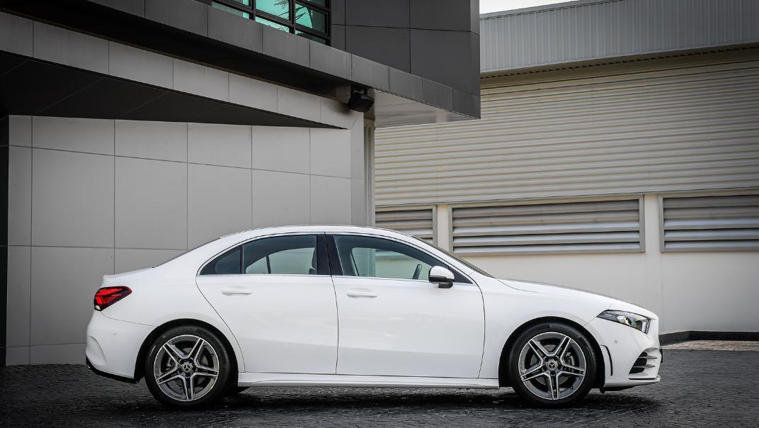 2021 Mercedes-Benz A-Class A 200 AMG Dynamic Exterior 004