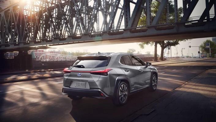 Lexus UX 2020 Exterior 006