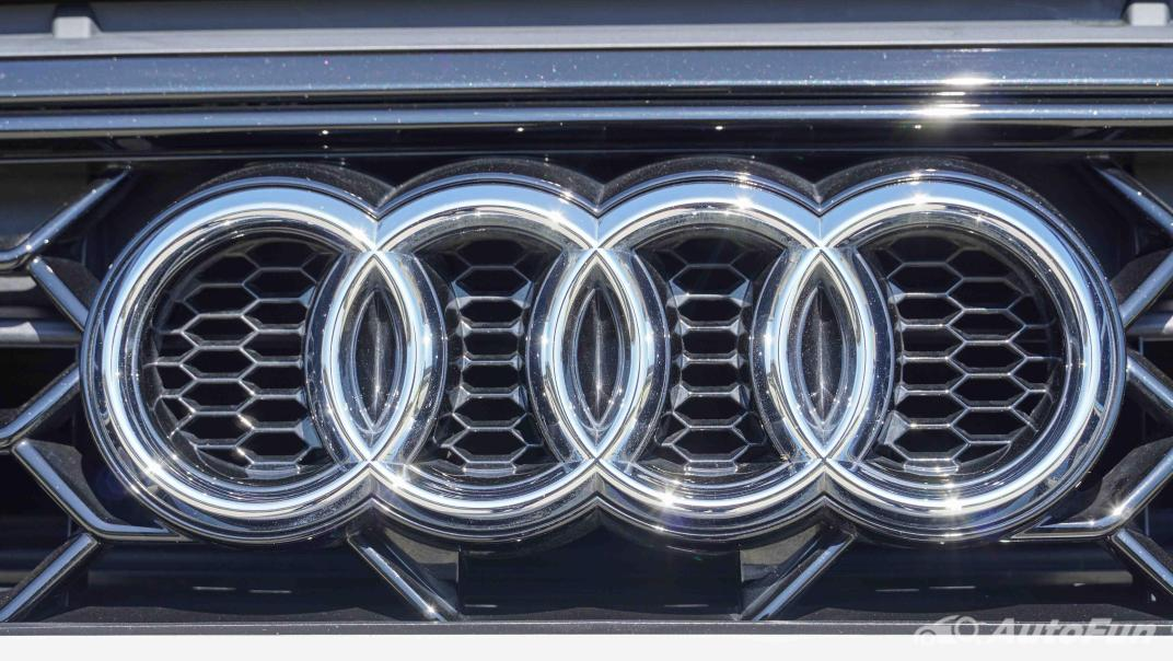 2020 Audi A4 Avant 2.0 45 TFSI Quattro S Line Black Edition Exterior 036