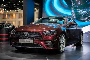 พาชม 2021 Mercedes-Benz E-Class คูเป้และเปิดประทุน เคาะค่าตัวเริ่ม 4.55 ล้านบาท
