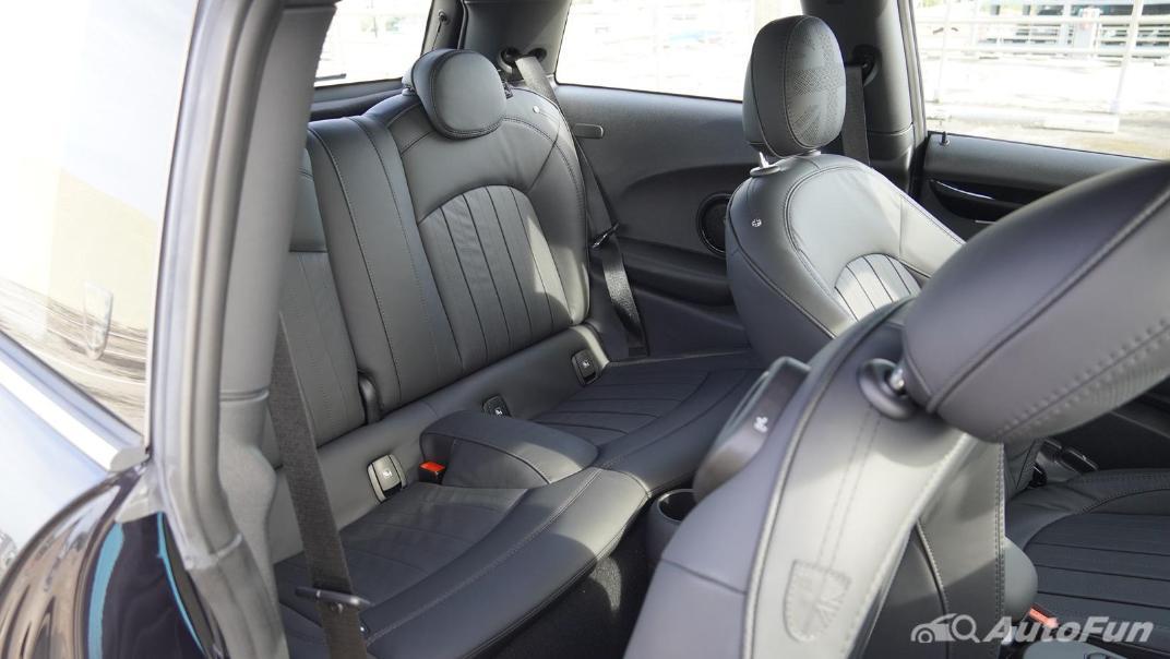 2021 MNI 3-Door Hatch Cooper S Interior 044