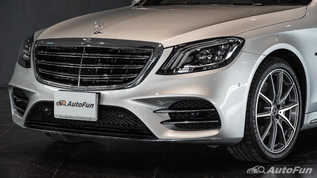 Mercedes-Benz S-Class S 560 e AMG Premium Exterior 011
