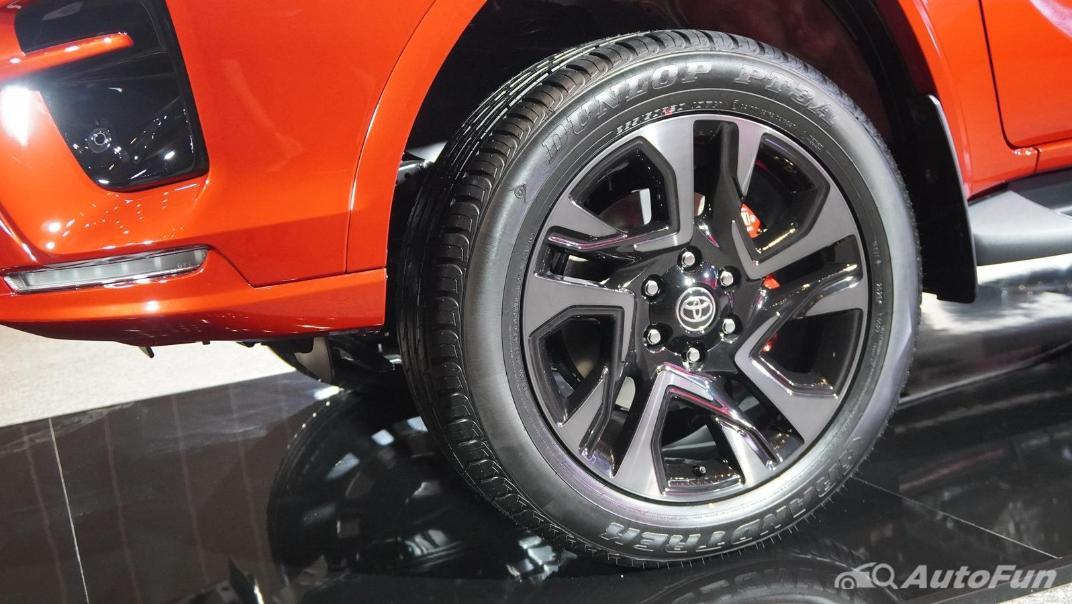 2021 Toyota Fortuner 2.8 GR Sport 4WD Exterior 026