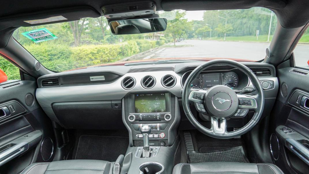 2020 Ford Mustang 2.3L EcoBoost Interior 076