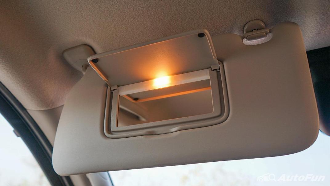 2021 Nissan Navara PRO-4X Interior 051