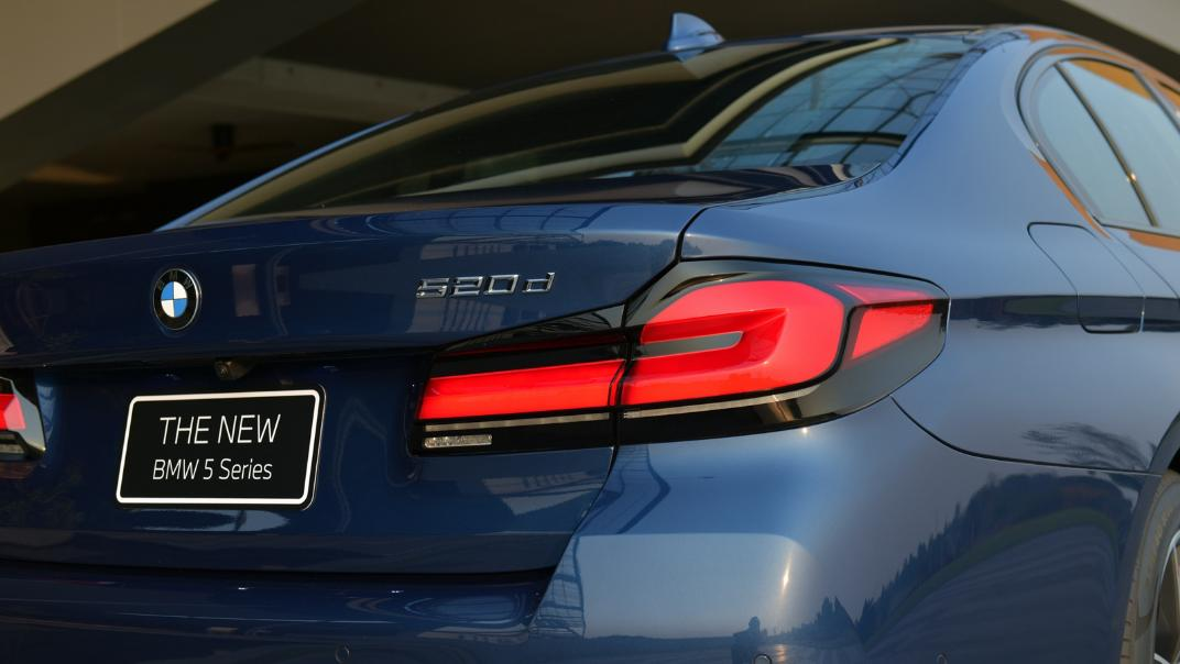 2021 BMW 5 Series Sedan 520d M Sport Exterior 033