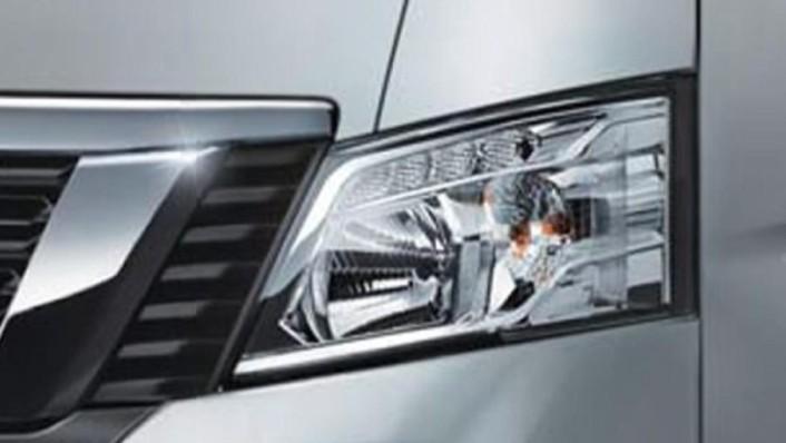 Nissan Urvan 2020 Exterior 007