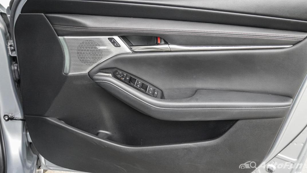 2020 Mazda 3 Fastback 2.0 SP Sports Interior 050