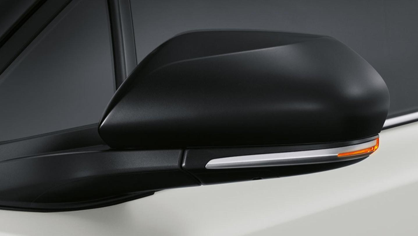 Toyota C-HR 2020 Exterior 009