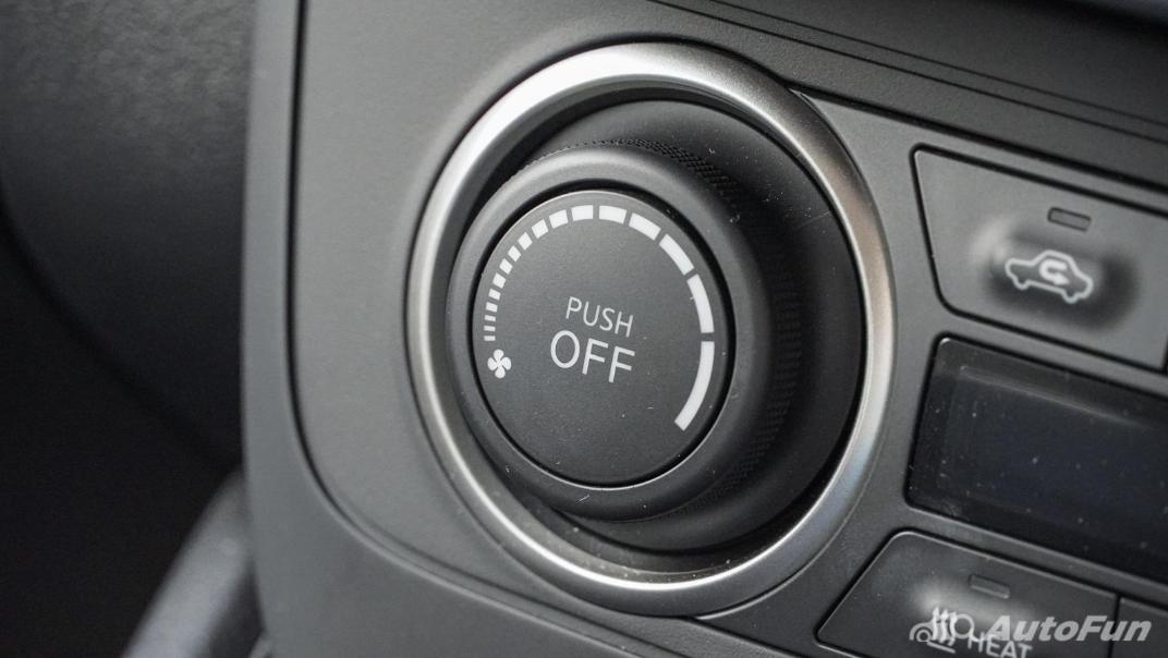 2020 Nissan Leaf Electric Interior 026