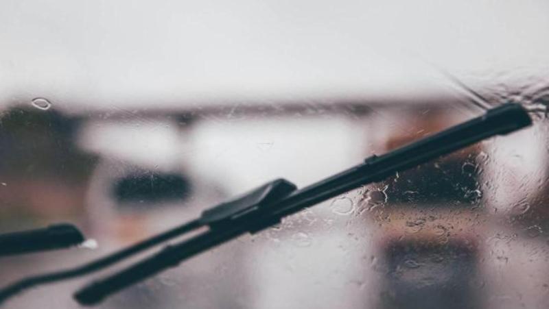 5 วิธีดูแลที่ปัดน้ำฝนง่าย ๆ ไม่ต้องจ่ายเงินเปลี่ยนยางบ่อย เตรียมรับหน้าฝน 02