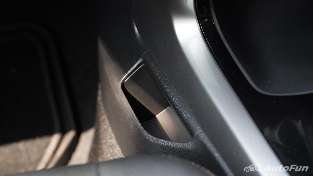 2021 Nissan Navara Double Cab 2.3 4WD VL 7AT Interior 034
