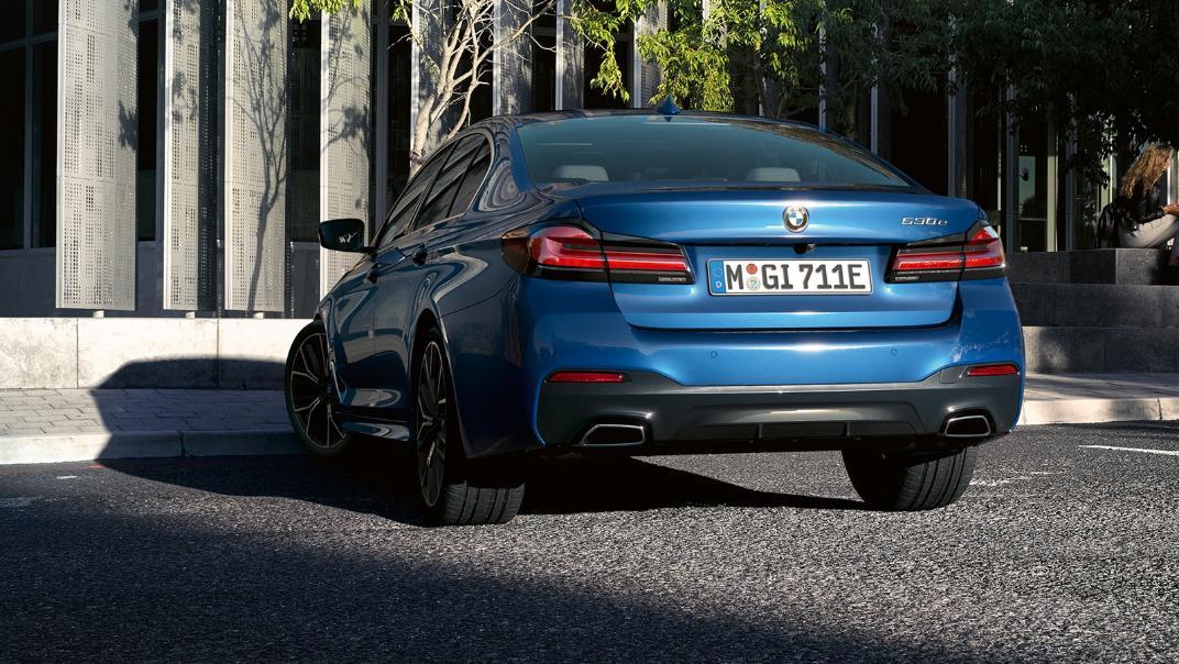 2021 BMW 5 Series Sedan 530e Elite Exterior 003