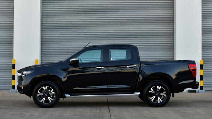 2021 Mazda BT-50 Double cab Upcoming Version Exterior 005