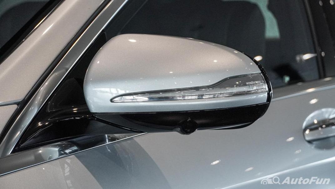 Mercedes-Benz S-Class S 560 e AMG Premium Exterior 026