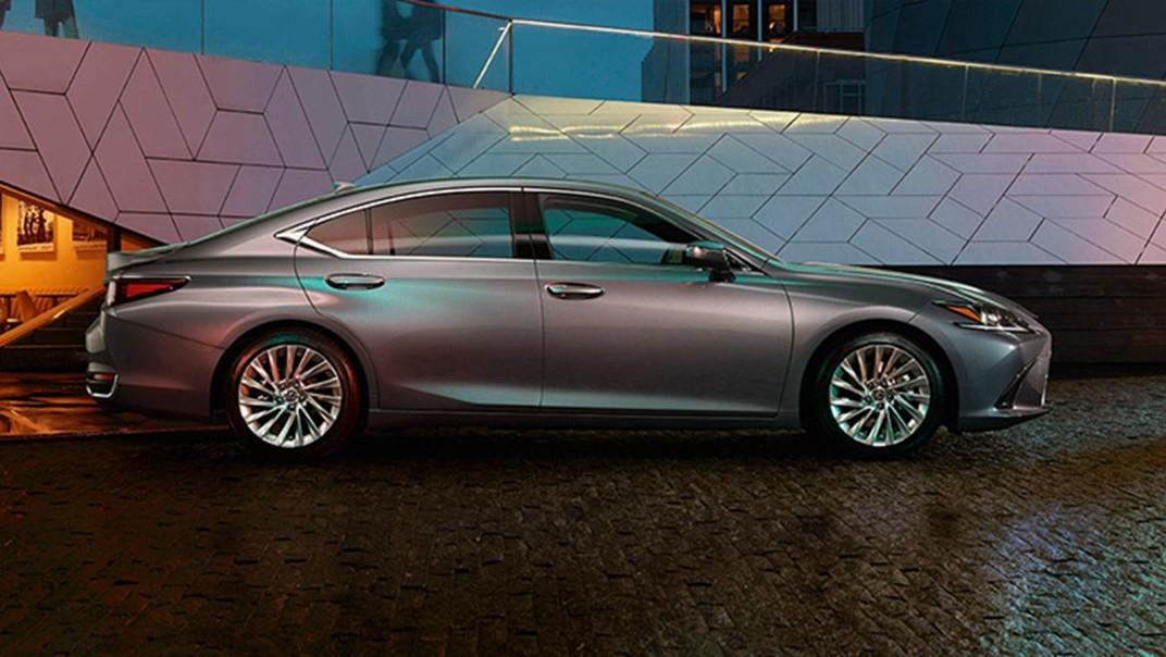 Lexus ES 2020 Exterior 025