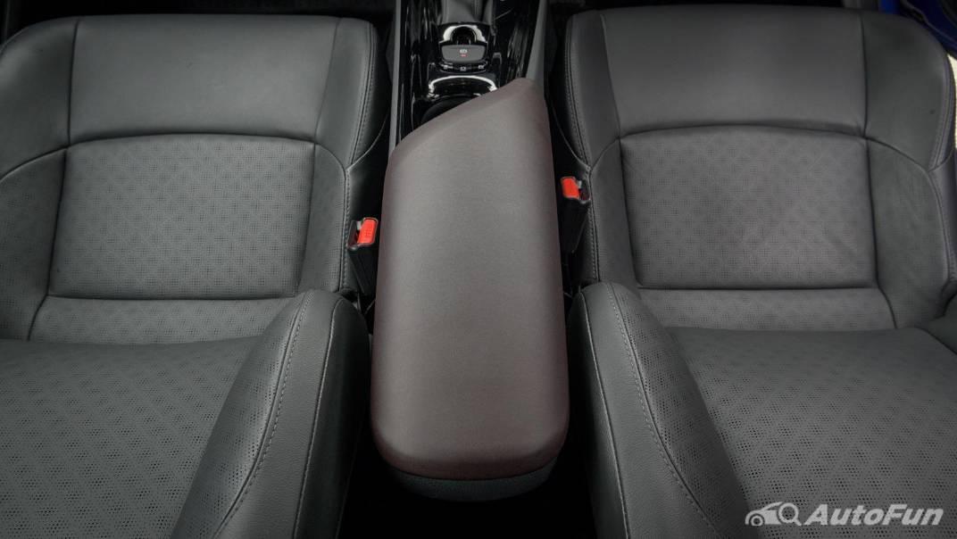 2021 Toyota C-HR Hybrid Premium Safety Interior 056
