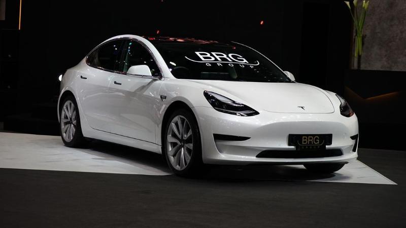 ชมคันจริง Tesla Model 3 สเปคพวงมาลัยขวา เปิดราคา 2.99-3.09 ล้านบาท รถมีข้อเสีย แต่ขายหมดแล้วนะ 02