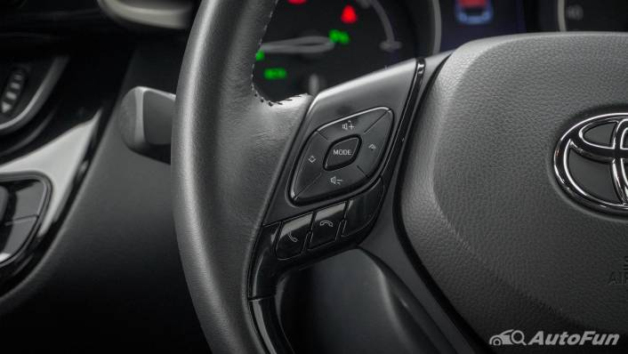2021 Toyota C-HR Hybrid Premium Safety Interior 005