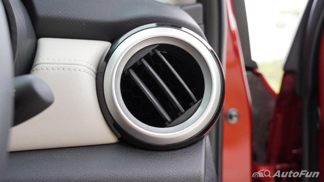 2020 Nissan Almera 1.0 Turbo VL CVT Interior 028