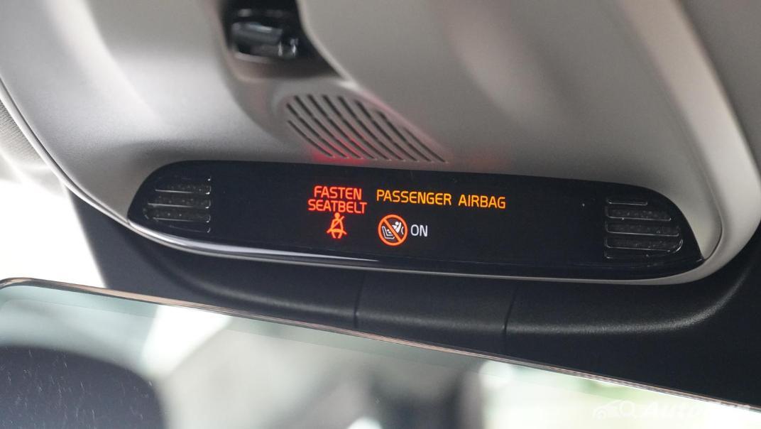 2021 Volvo S90 Recharge Interior 041