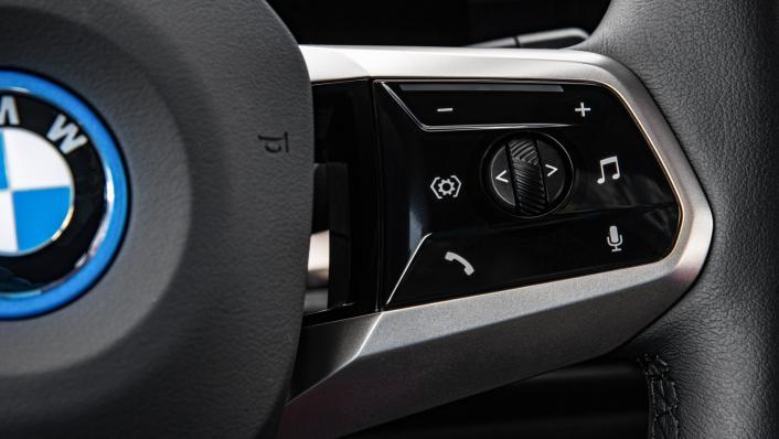 2021 BMW iX xDrive50 Sport Interior 007