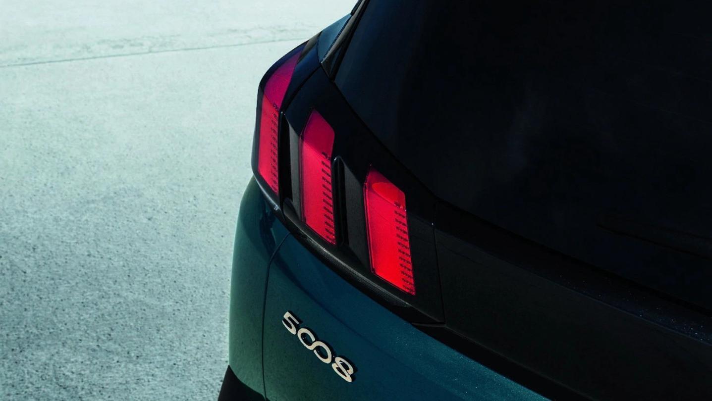 Peugeot 5008 2020 Exterior 005
