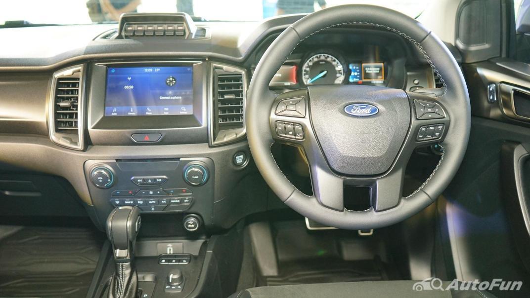 2021 Ford Ranger FX4 MAX Interior 002